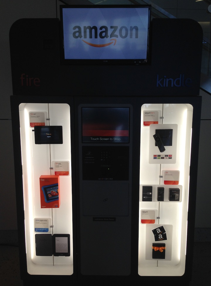Máquina de venda automática de Amazon Kindles no Aeroporto de Dallas (DFW)