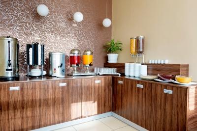 Links úteis: redes de hotéis que oferecem café da manhã grátis ou incluído na diária!
